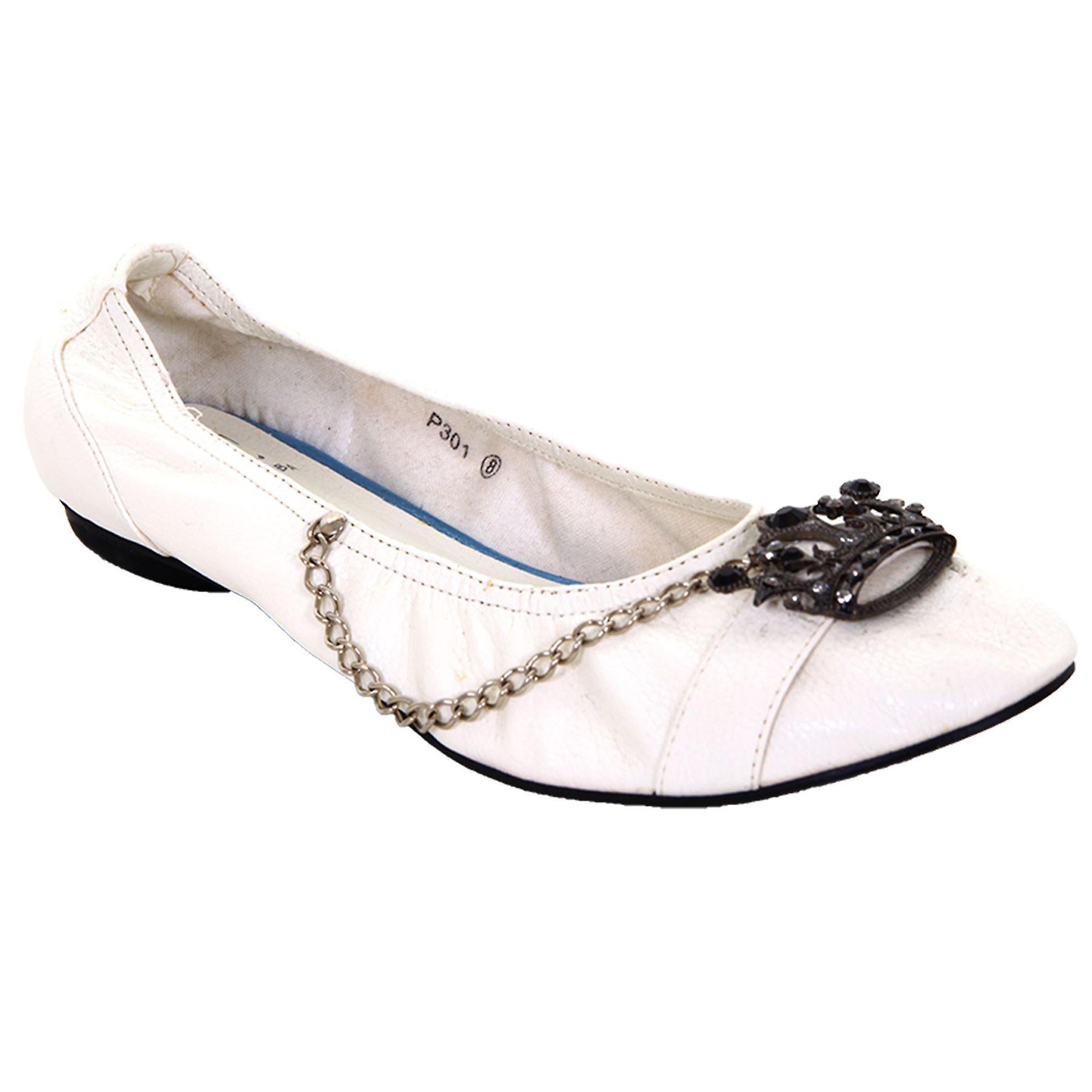 Ladies Slip On Jewelled Crown Chain White PU Leather Women's Flats Shoes