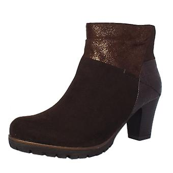 Soft Line Cassis Modern Sporty Mid Heel Ankle Boots In Mocca