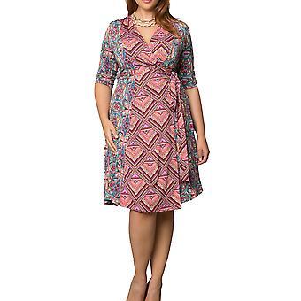 كيونا | في فستان التفاف ميكس