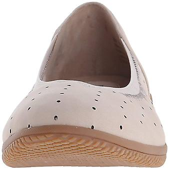 SoftWalk Womens Hampshire Suede Closed Toe Clogs