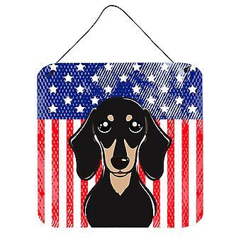 Amerykańską flagę i gładki czarny podpalany jamnik ściany lub drzwi wiszące drukuje