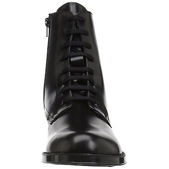 دفع حدود الحذاء أيروسوليس المرأة
