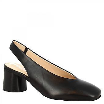 ليوناردو أحذية المرأة اليدوية منتصف الكعب حبال مضخات الأحذية في جلد نابا الأسود