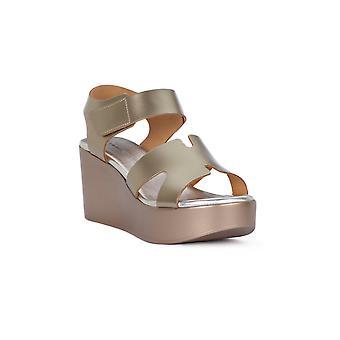 Frau nartural Metal Sandals