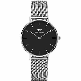 Daniel Wellington DW00100162 Clásico Petite Sterling Negro Dial 32 mm Reloj de señoras