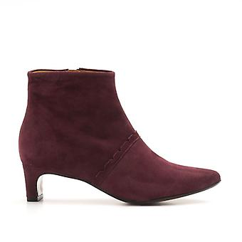 Audley Suede Sivaletti Low Heeled Edge
