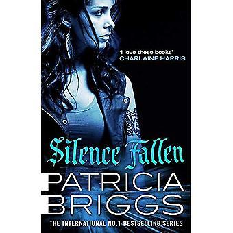 Silence Fallen: Mercy Thompson Book 10 (Mercy Thompson)