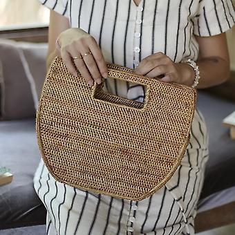 Κομψή και μινιμαλιστική τσάντα αχύρου ινδικού καλάμμου μορφής