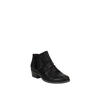 Baretraps   Gericka Ankle Boots