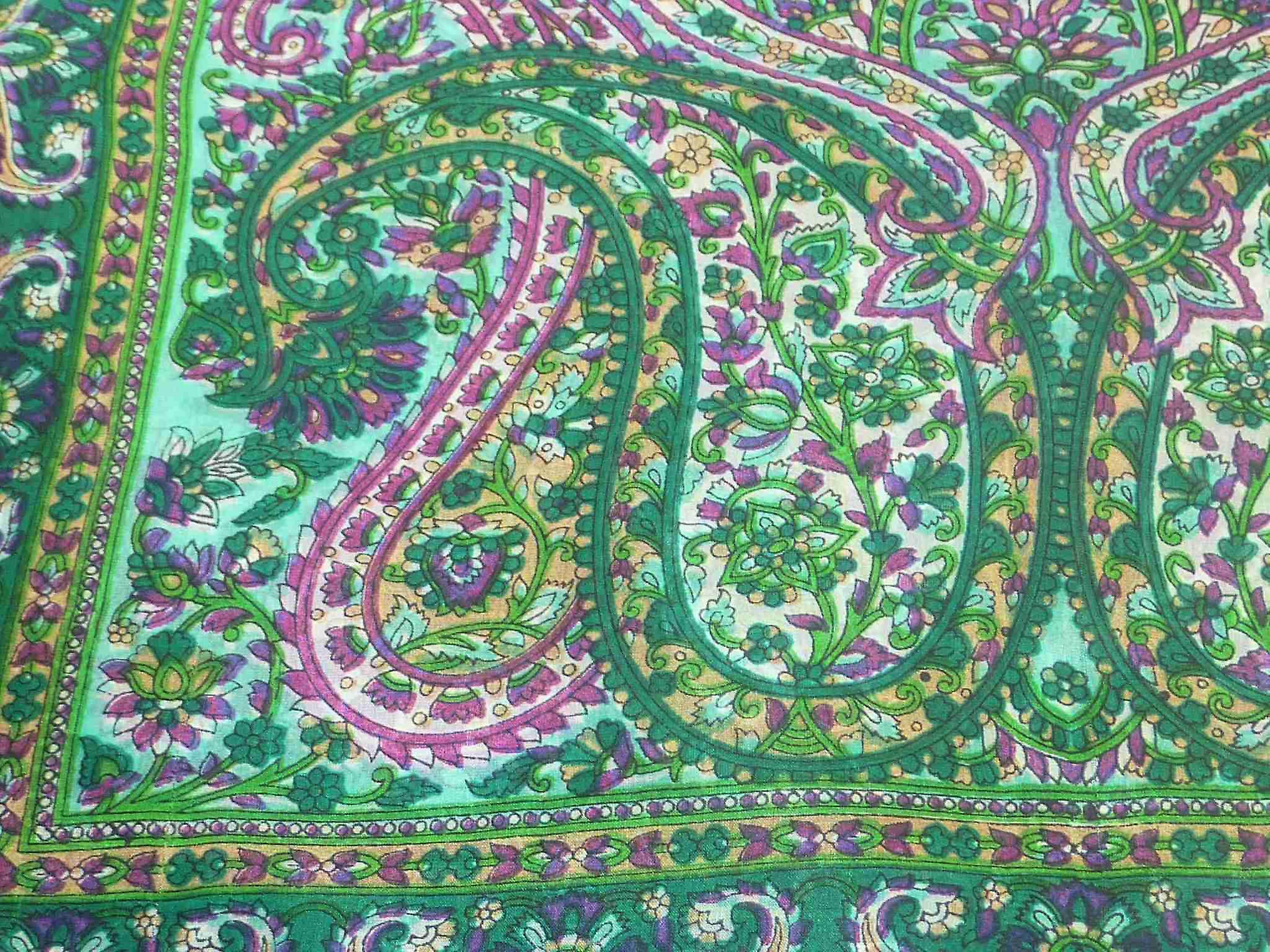 Mulberry Silk Traditional Long Scarf Panaji Green by Pashmina & Silk
