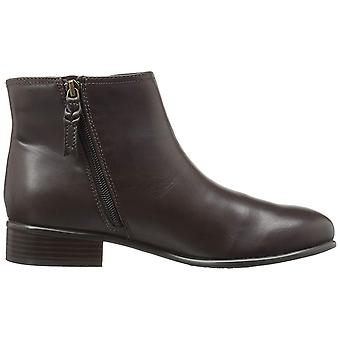 SoftWalk Womens Urban Leather Closed Toe Ankle Chelsea Boots