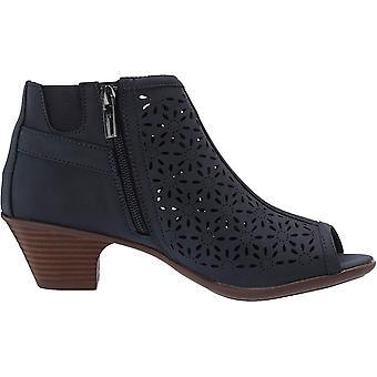 Easy Street Women's, Dakota Ankle Boot