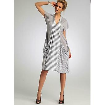 Vogue coser patrón 8813 misses señoras drapeado vestidos de bolsillo tamaño 4-14 sin cortar