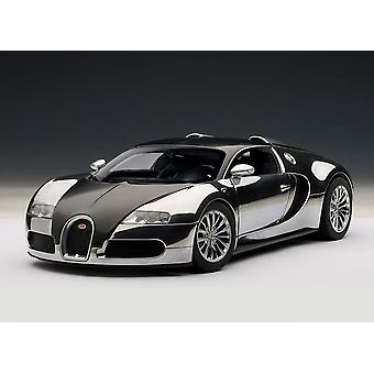 Bugatti EB 16.4 Veyron `Pur Sang` (2007) Diecast Model Car