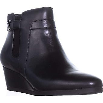 Giani Bernini Womens Cecie Closed Toe Ankle Fashion Boots