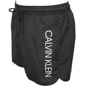 Calvin Klein Seite Logo sportlich geschnittene Swim Shorts, schwarz