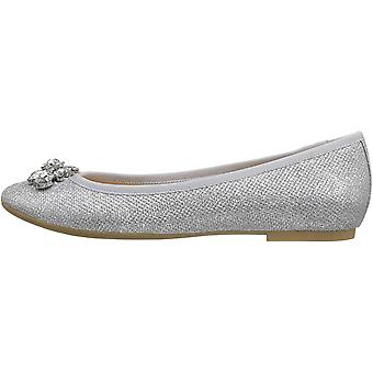 Jewel Badgley Mischka Women's Cabella Ballet Flat,