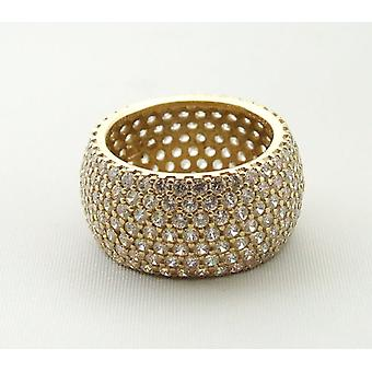 14 carat yellow gold ring with zirconia