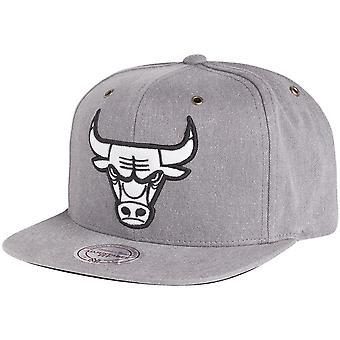 Mitchell & Ness Strapback Cap - NBA Chicago Bulls grey
