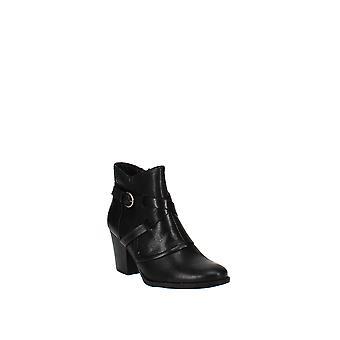 Baretraps   Launa Ankle Boots
