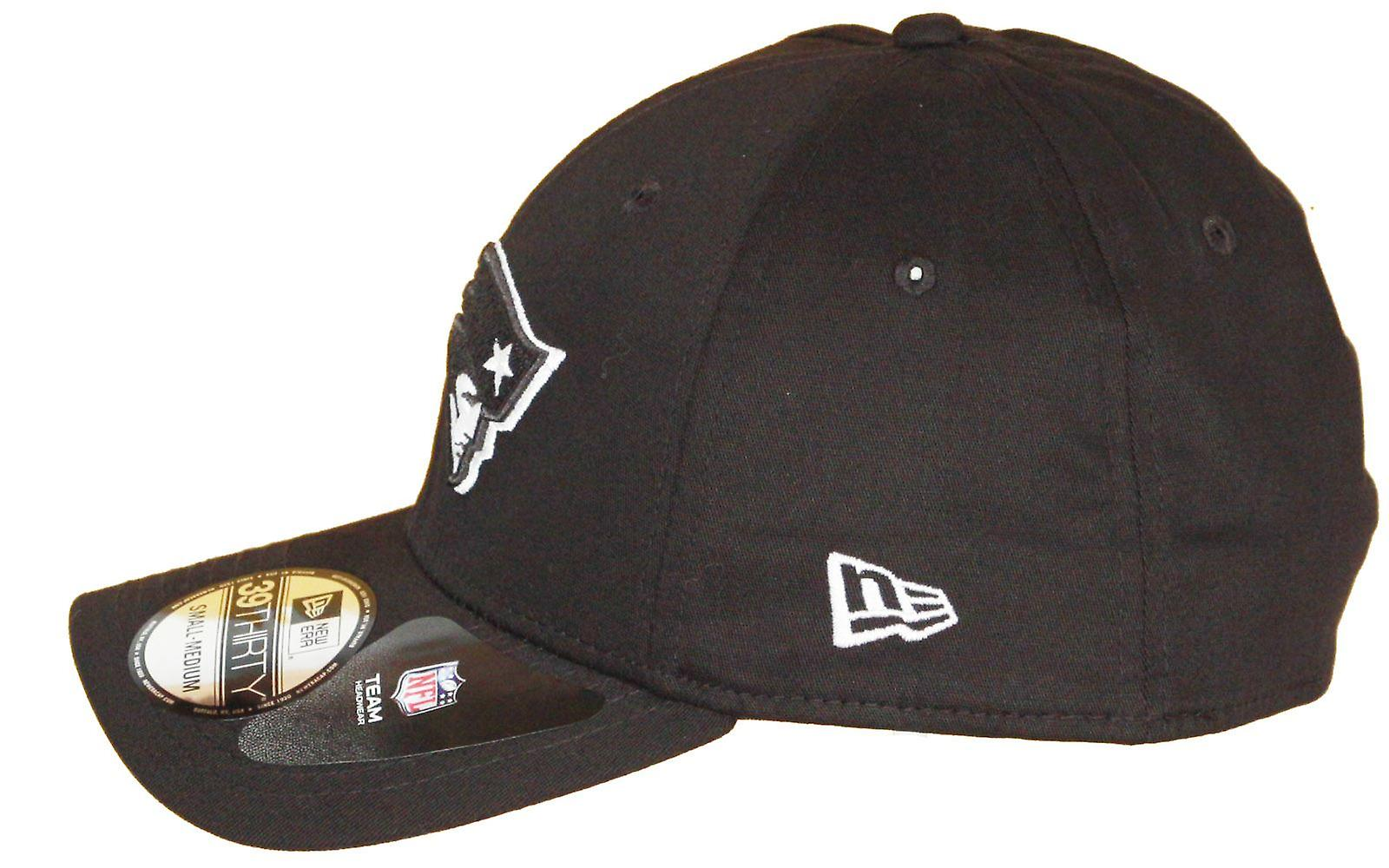 New Era Monochrome 39Thirty Cap ~ New England Patriots