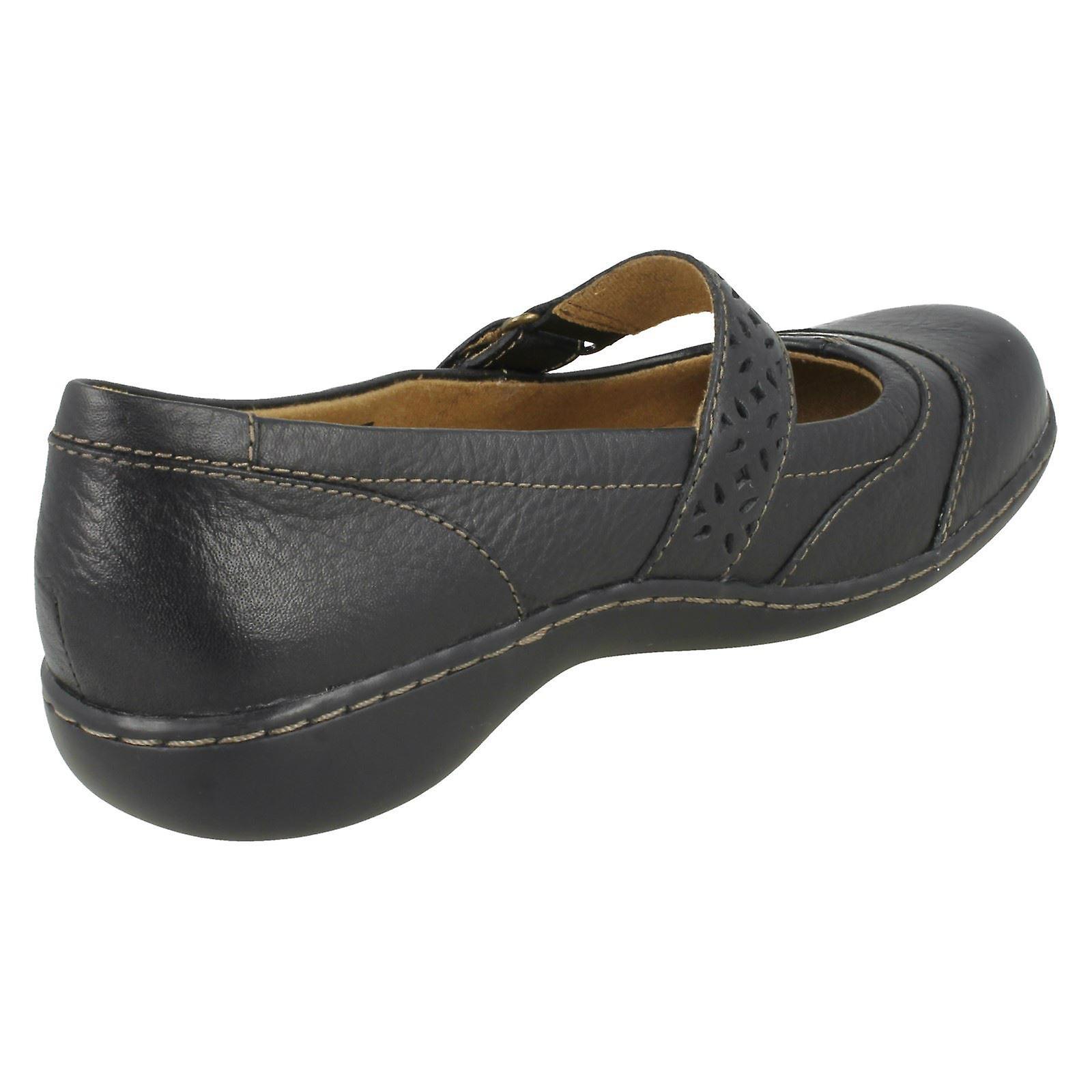Crochet de Clarks Mesdames & boucle chaussures embrassent Lux