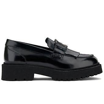 Hogan kvinnors svarta läder loafer med frans och klämma