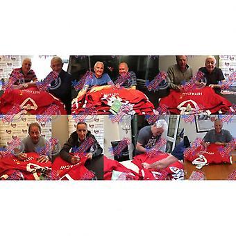 Zwycięzcy Pucharu Europy Liverpool 1977 podpisał koszula (ramie)