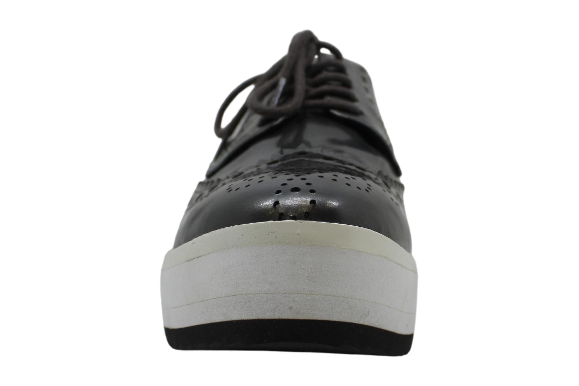 Kenneth Cole New York Roberta Patent Leather Platform Oxford Sneaker