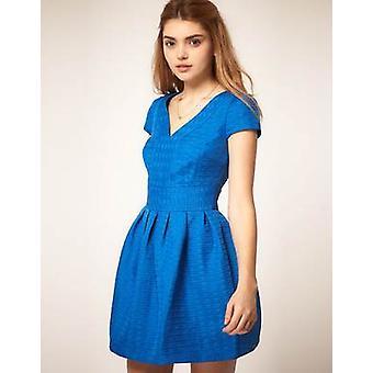 ASOS tulpan klänning i konsistensen