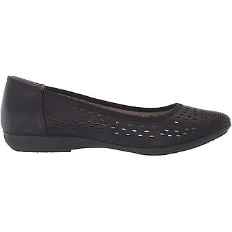 CLIFFS BY WHITE MOUNTAIN Shoes Carrie Women's Flat