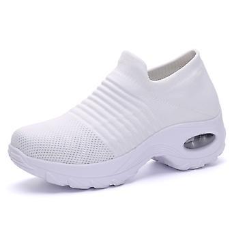 Baskets légères de mode de femmes blanches