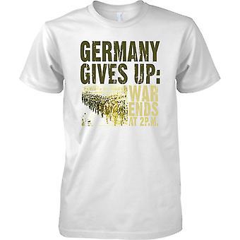 Tyskland ger upp - kriget slutar 2 pm - WW1 - Mens T Shirt