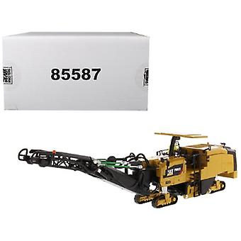 CAT Caterpillar PM622 Cold Planer with Operator High Line Series 1/50 Diecast Model par Diecast Masters