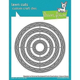 הדשא פון בחוץ במעגל מסולסלים מעגל בחיתוך מעגלי stack