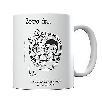 El amor es poner todos tus huevos en una taza de canasta