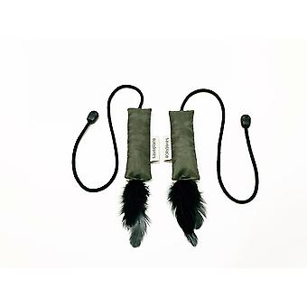 Saveplace® Squeaky Cat Toy With String & Black Feathers – Going Crazy
