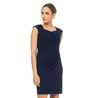 Dress with a ruffled collar