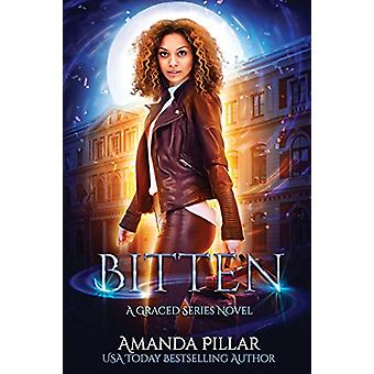Bitten by Pillar Amanda - 9780648029519 Book