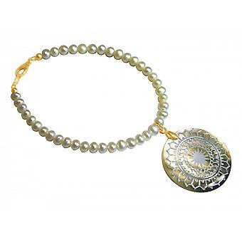 Pulseira - pingente medalhão dourado grânulos - mãe de pérola - 3cm - cinza - branco