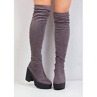 Over knæet Cleated eneste Faux ruskind Platform støvler grå