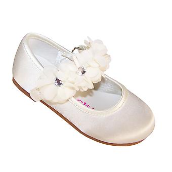 Infants ivory satin flower girl, bridesmaid and ballerina shoes