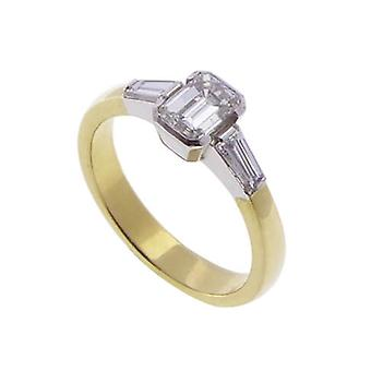 18 carat bicolor ring with diamond