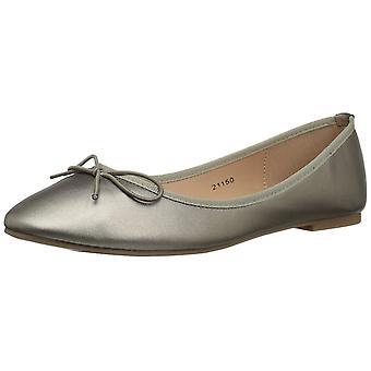 Brinley Co Womens Vika Closed Toe Ballet Flats