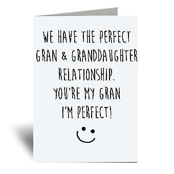 لدينا الكمال غران وحفيدة العلاقة، أنت جدتي وأنا الكمال! بطاقة المعايدة A6