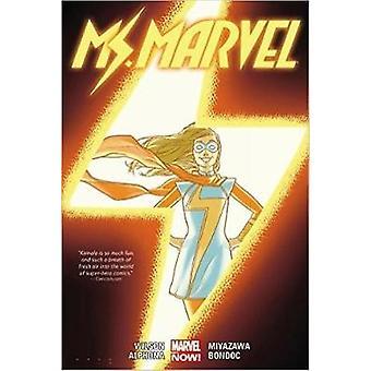 Mme Marvel Vol. 2 de G Willow Wilson et par l'artiste Adrian Alphona et par l'artiste Takeshi Miyazawa