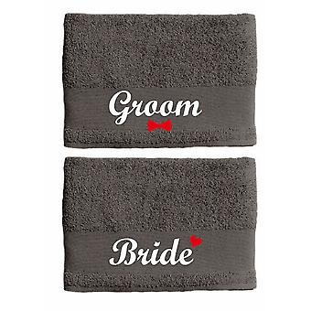 Ensemble de serviette de couples de mariée et de marié