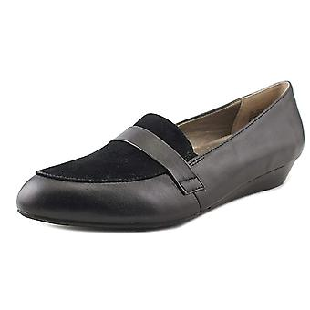 ARRAY Womens Ella Leather Almond Toe Loafers