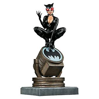 Batman Catwoman om Light-Up Bat-Signal Ltd Ed Statue