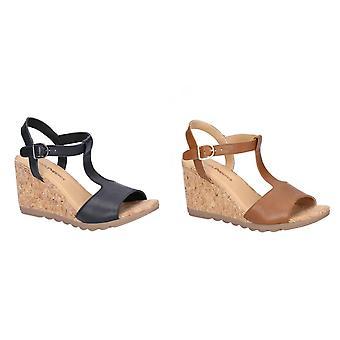 Hush cachorros Womens/damas Pekingese T-strap sandalias de cuero de tacón de cuña